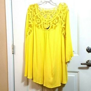 ROAMANS 28W Yellow Floral Lace Crinkle Lo/Hi Tunic